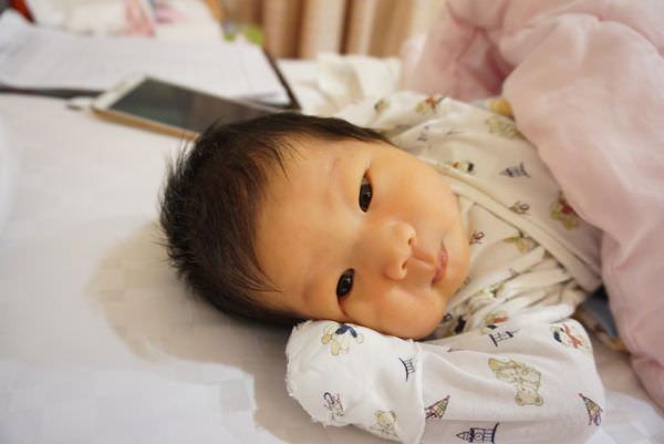 新手媽媽分享✿石頭奶&剖腹產後10天奶量120cc✿