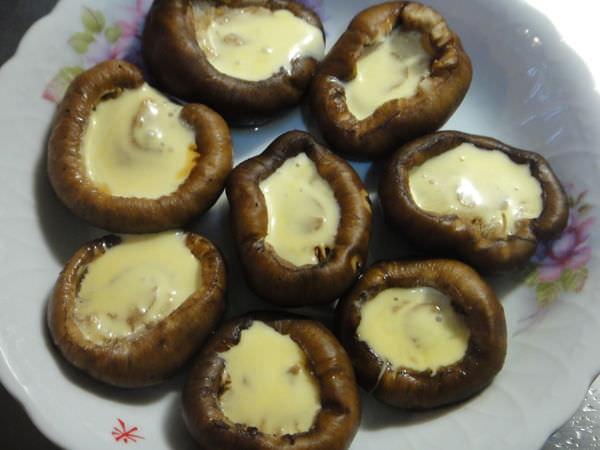 ✿焗烤香菇✿用電鍋做出鮮嫩多汁的焗烤香菇