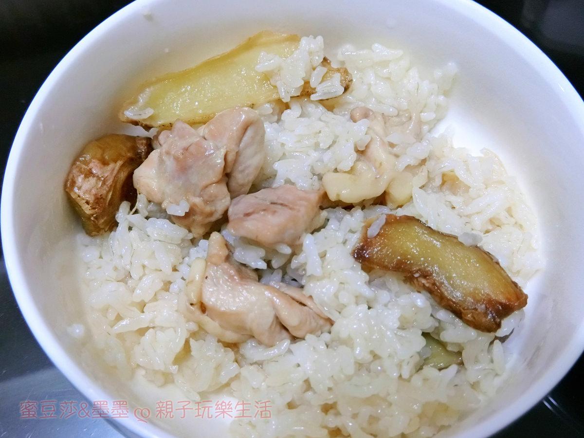 零失敗懶人電鍋料理【電鍋版麻油雞飯】