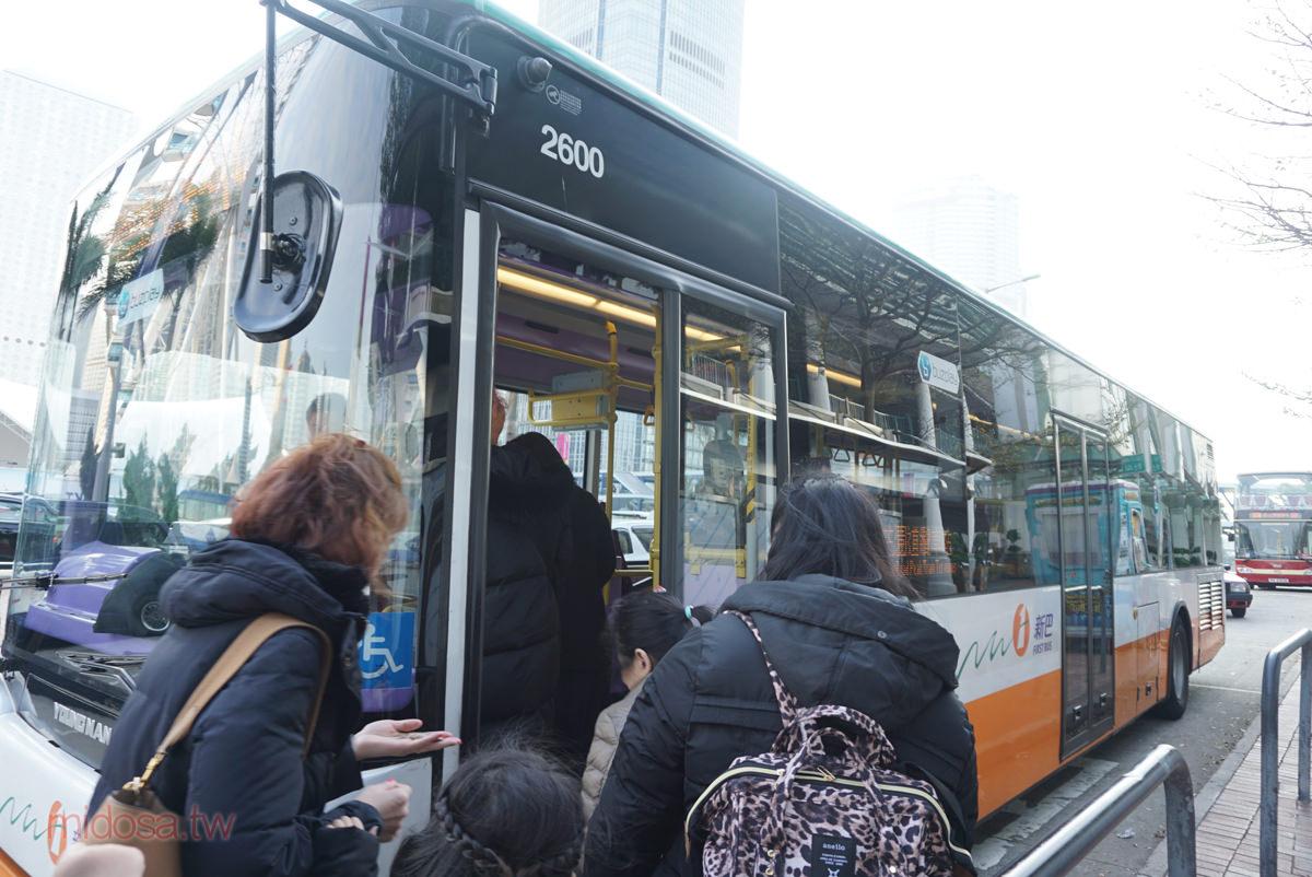 山頂道花園纜車站交通 中環天星碼頭搭巴士15C 只要6分鐘