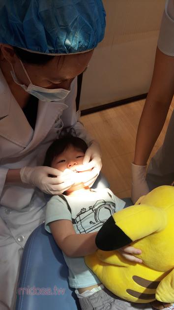 新店兒童牙醫推薦 卓業牙醫 大坪林捷運站