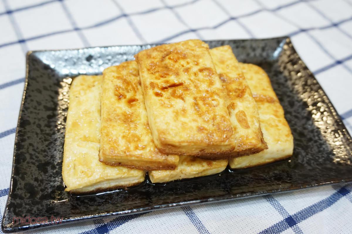 三分鐘上菜 【雞蛋豆腐】不沾粉也能煎出完美蛋豆腐
