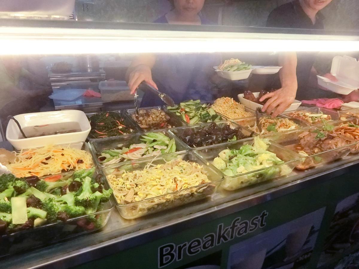 新加坡勞明達站 V Hotel Lavender平價美食小吃 嘟嘟香自助餐/簡餐/早餐